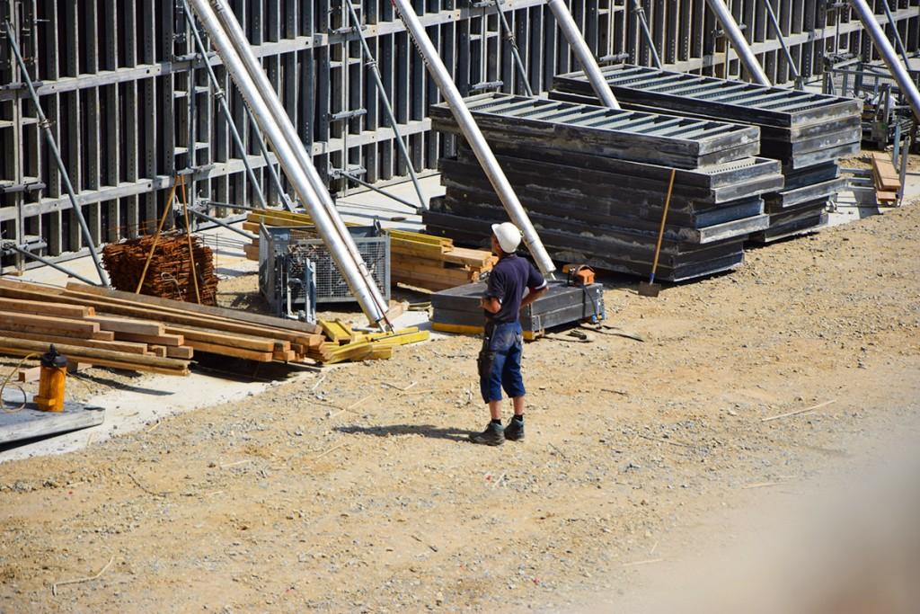 men-at-work2-1200x800